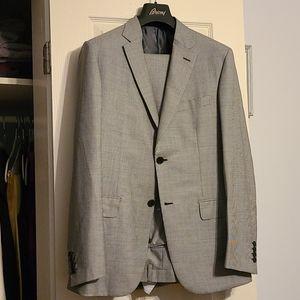 Brand new Brioni 2 button suit